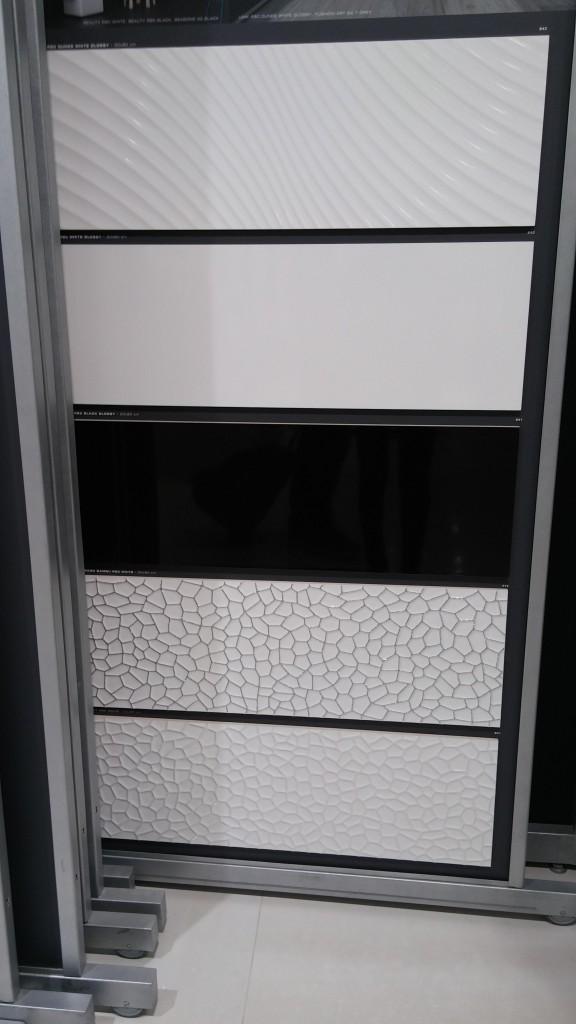 Azulejo novedades blanco y negro tino jornet for Azulejo a cuadros blanco y negro barato