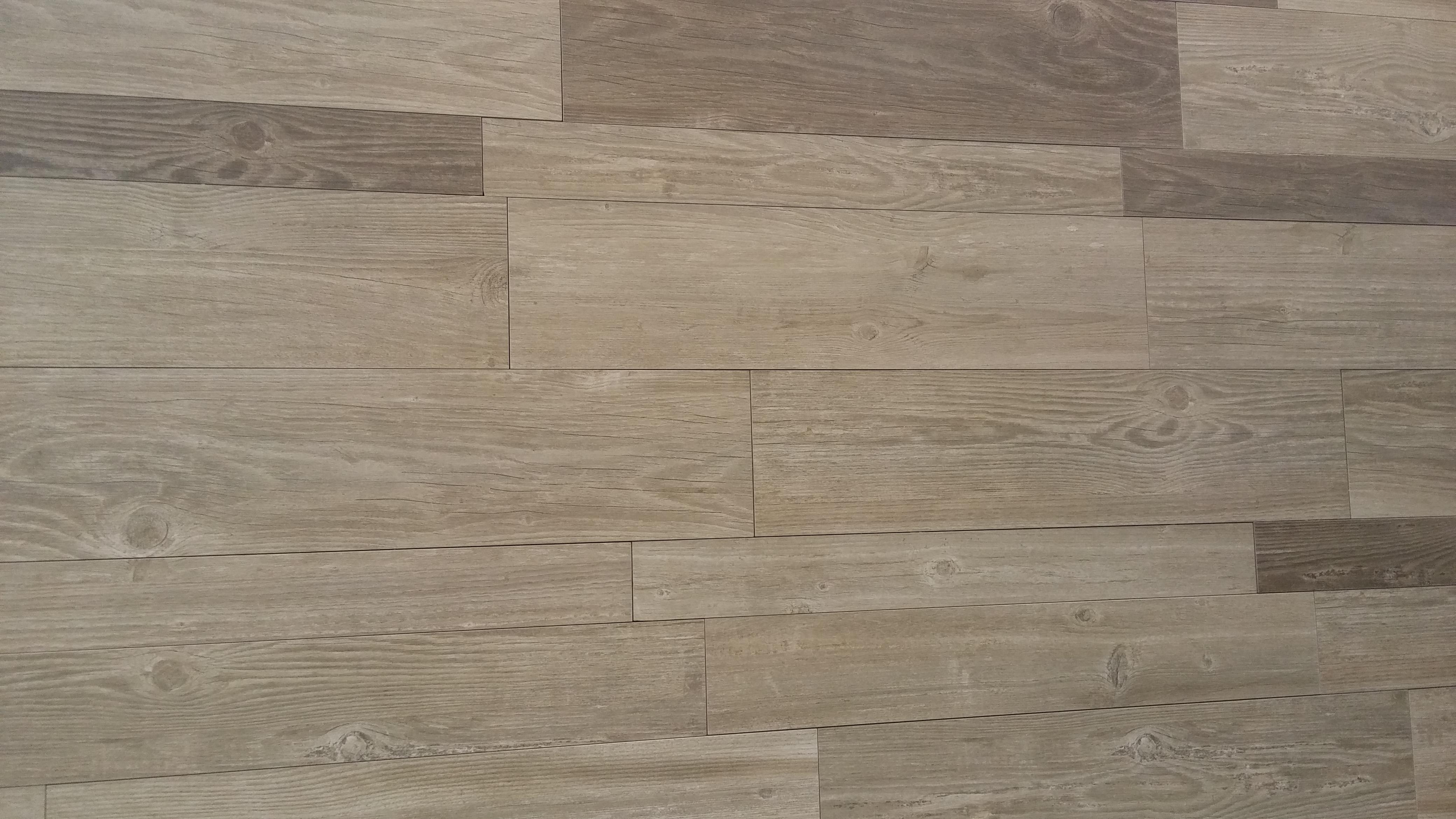 Novedades azulejos 2015 16 tino jornet for Pisos ceramicos de madera