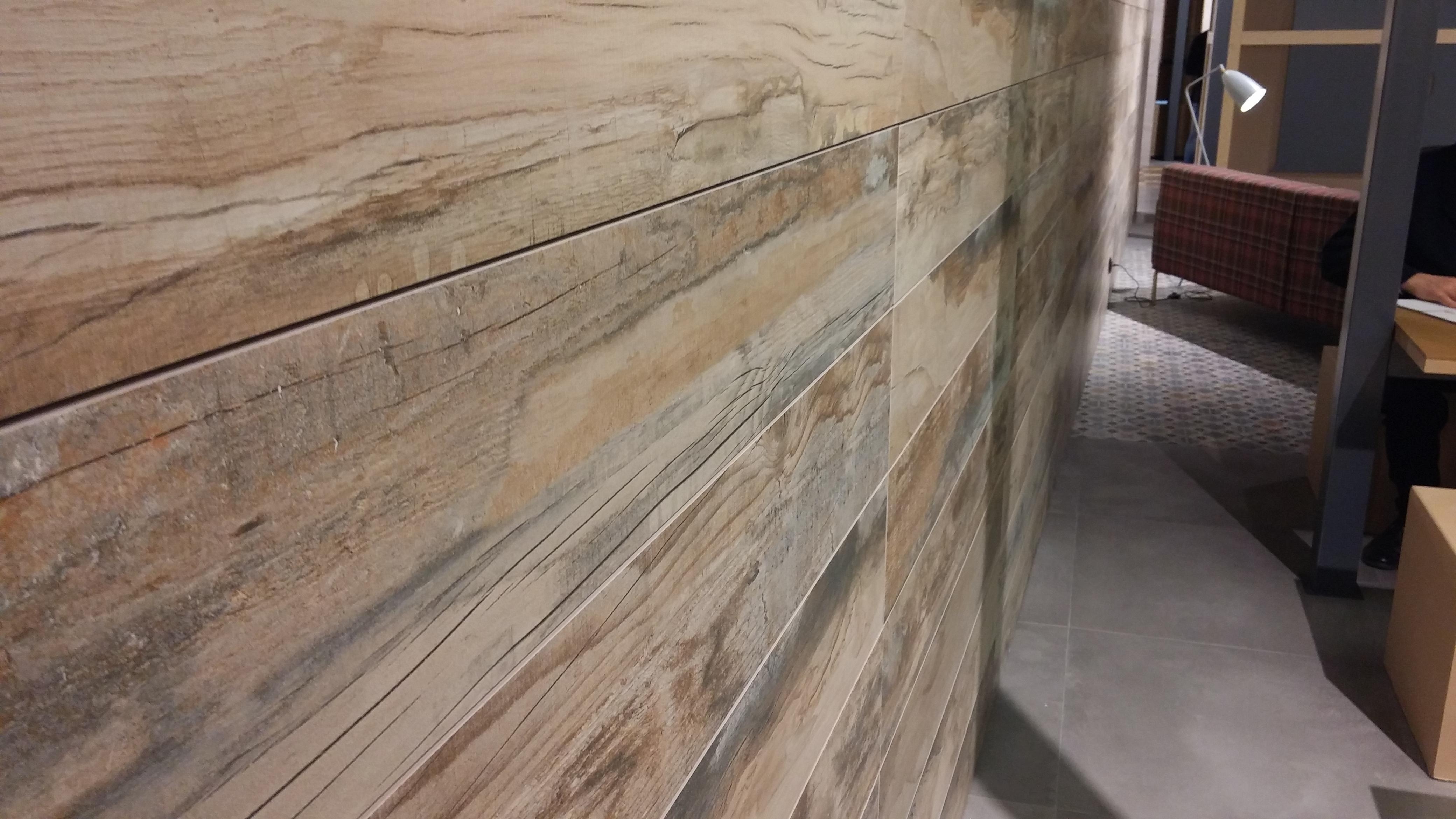 Novedades azulejos 2015 16 tino jornet - Revestimiento madera paredes ...