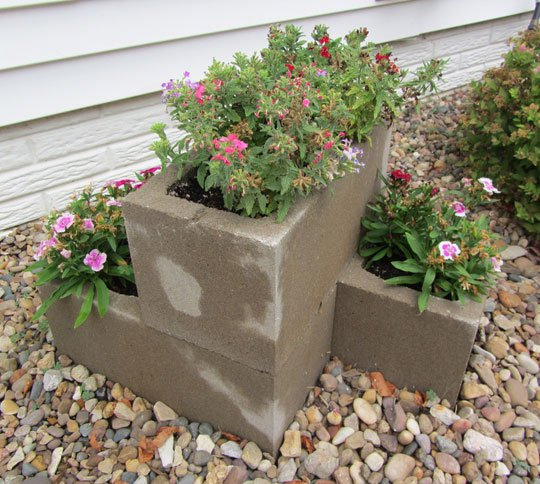 Ideas creativas tino jornet for Jardineras con bloques de hormigon